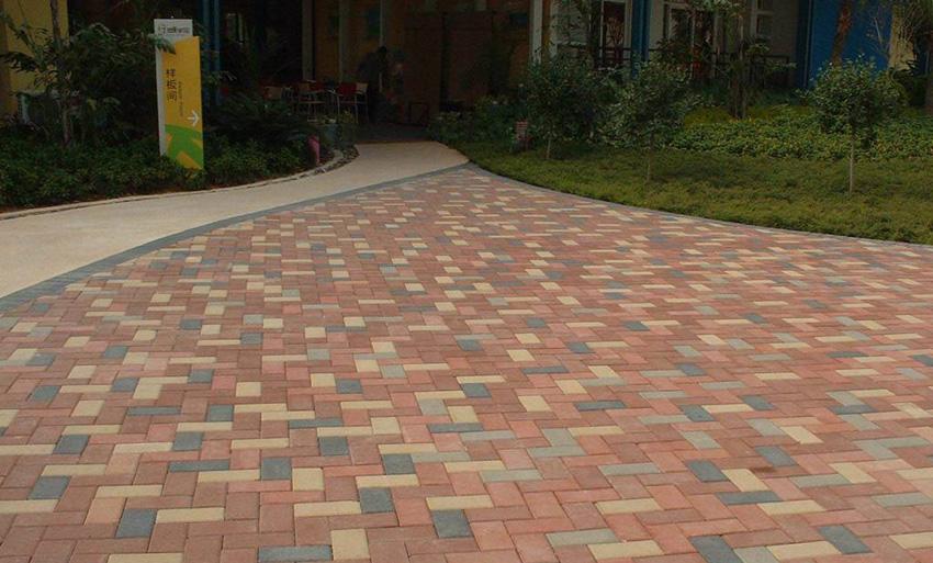 用众光陶瓷颗粒透水砖建设海绵城市不是梦
